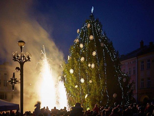 Slavnostní rozsvěcení vánočního stromu v Trutnově