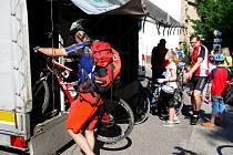 Slavnostní zahájení sezony cyklobusů se odehrálo v sobotu společným cykloturistickým výletem.