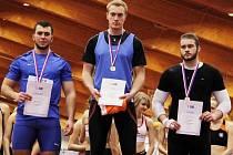 ÚSPĚŠNÍ byli v Turnově jak Josef Egrt (uprostřed), tak i Milan Hošek (vlevo). Domácím se akce vydařila.