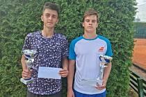Finalisté dvouhry mužů Adam Kozler (vlevo) a Matyáš Černý.