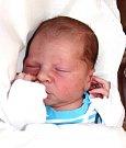 JAKUB REJL se narodil Aleně a Alešovi 14. března v 7.38 hodin. Vážil 4 kg a měřil 52 cm. Doma ve Dvoře Králové už čeká i bráška Tomáš.