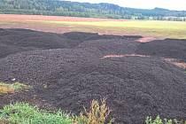 Za neupravené kaly zčističky na poli ve Vlčicích padla pokuta.