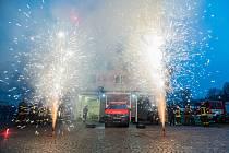 Slavnostní předání nového zásahového vozidla jednotce dobrovolných hasičů Horní Maršov.