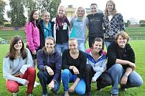 POSTUPOVÁ RADOST zavládla po skončení krajského kola v sympatickém vítězném družstvu dívek Gymnázia Trutnov.
