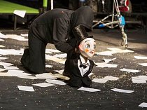 NEFŇUKA, divadelní představení členů skupiny The Tap Tap sklidil v Trutnově obrovský úspěch.