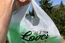 Už jste v horách potkali lovce odpadků? Přidáte se?