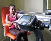 Ve Vesně pomáhají děti léčit roboti