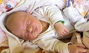 BARBORKA MUNZAROVÁ se narodila Pavlíně a Martinovi 2. října v 16.30 hodin. Vážila 4,12 kilogramu a měřila 52 centimetrů. Doma v Sobčicích už čeká i sourozenec Péťa.
