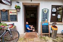 Silver Cup byl kombinací jízdy na kole a pití piva.