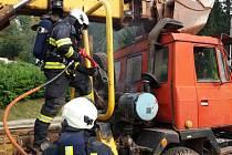 Požár tatrovky v Trutnově
