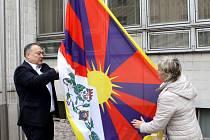 V Trutnově zavlála tibetská vlajka