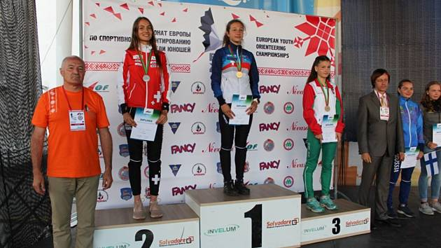 Orientační běžkyně jilemnického klubu Anna Karlová získala dvě medaile na mistrovství Evropy dorostu v běloruském Grodnu.