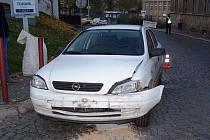 Při srážce dvou aut v Úpici nebyl nikdo zraněn