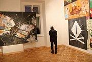 Galerie Morzin představuje novou výstavu autora Václava Girsy Pod modrou oblohou.