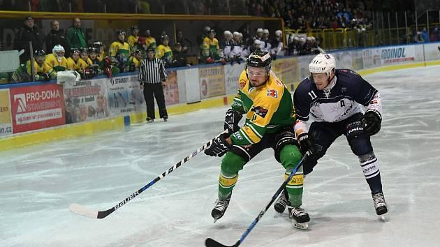 Hokejové derby v Podkrkonoší dopadlo vítězství, Dvora Králové 6:1 nad Trutnovem.