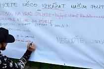 Ze středečního setkání iniciativy Milion chvilek pro demokracii ve Vrchlabí 21. srpna 2019.