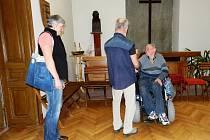 Oslavy kulatin v Klubu vozíčkářů