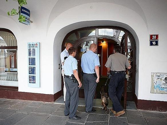 V Trutnově nahlásil anonym bombu