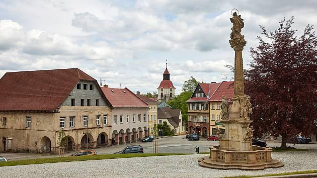 Opravené Rýchorské náměstí v Žacléři.