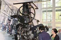 Do Dvora Králové se vrací po dlouhých letech textilní muzeum, poprvé otevře v pátek 1. listopadu.