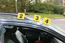Muž vykrádal auta před školkami v Trutnově, loupil také ve Vrchlabí a Dvoře Králové nad Labem.