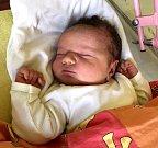 ZORA se narodila v Jilemnici 15. října rodičům Zuzaně a Václavovi. Doma v Hostinném má dvě sestry Emu a Adélu.