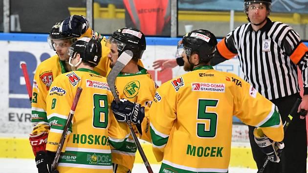 Hokejisté Dvora Králové nad Labem v derby hladce přehráli rivala z Trutnova.