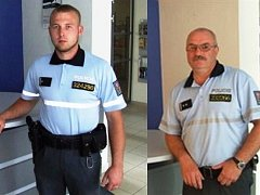 Policisté obětavě zachraňovali ženy z potopeného auta - Horáček a Palič