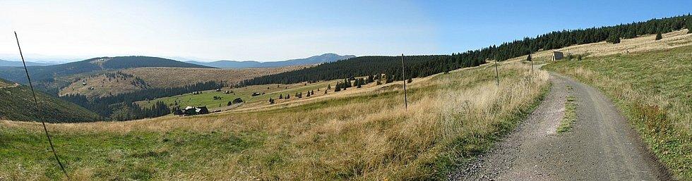 Klínové Boudy patří v Krkonoších k tradičním lučním enklávám. Klínové Boudy vznikly v 16. století s těžbou železné rudy ve Svatém Petru v Špindlerově Mlýně.