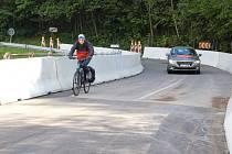 ČÁSTEČNĚ VYŘEŠENO. Most v Mladých Bukách opět mohou od neděle využívat řidiči