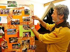 OD POČÁTKŮ DO SOUČASNOSTI. Stávající výstava ve rtyňském malém kulturním sále mapuje 65 let činnosti zdejšího Junáka.