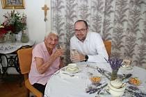 Věra Holičová je ve 104 letech nejstarší občankou Dvora Králové nad Labem.