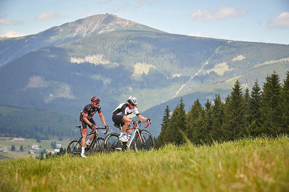 Krakonošův cyklomaraton se letos uskuteční 20. června. Cyklisty prověří stoupání do krkonošských kopců.
