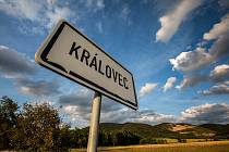 V Královci se napojí česká dálnice D11 na polskou rychlostní silnici S3, vedoucí přes celé Polsko až k Baltskému moři.