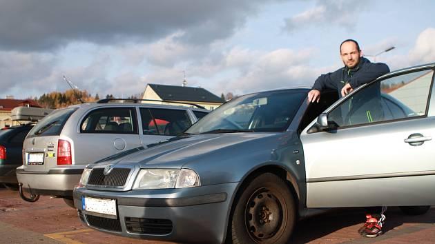 Když ojetinu, tak oktávku! Jiří Zákravský z Trutnova patří mezi motoristy, kteří si oblíbili vůz Škoda Octavia.