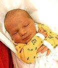 OLIVER BEČKA se narodil 23. ledna v 8.21 hodin rodičům Lucii a Ondřejovi. Vážil 3,9 kg a měřila 51 cm. Rodina má domov v Trutnově.