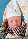ADÁMEK KOUBA se narodil Janě Nevěčné a Alešovi Koubovi 15. března v 8.22 hodin. Vážil 3,6 kg a měřil 51 cm. Se sourozenci Matějem Nevěčným a Danielem  Koubou  jsou doma v Harrachově.