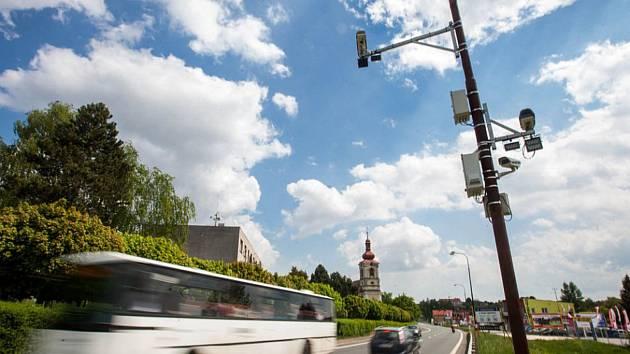 Přes Choustníkovo Hradiště se valí denně deset tisíc aut.