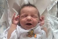 JAN HEMR se narodil v trutnovské porodnici 26. června ve 13.10 hodin mamince Petře. Vážil 3,54 kg a měřil 50 cm. Doma bude v Trutnově.