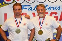 ÚSPĚŠNÍ HURDÁLKOVI. Martin a Libor patří ke světově uznávaným trojbojařům. Pro zlaté medaile si doletěli i do zámoří.