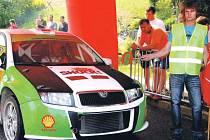 ŠIROKÁ ŠKÁLA závodních automobilů se představila o víkendu na trati mezi Vrchlabí a Beneckem.