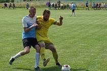 Jedním z víkendových soubojů byl duel mezi Kuksem a Mostkem (1:3).
