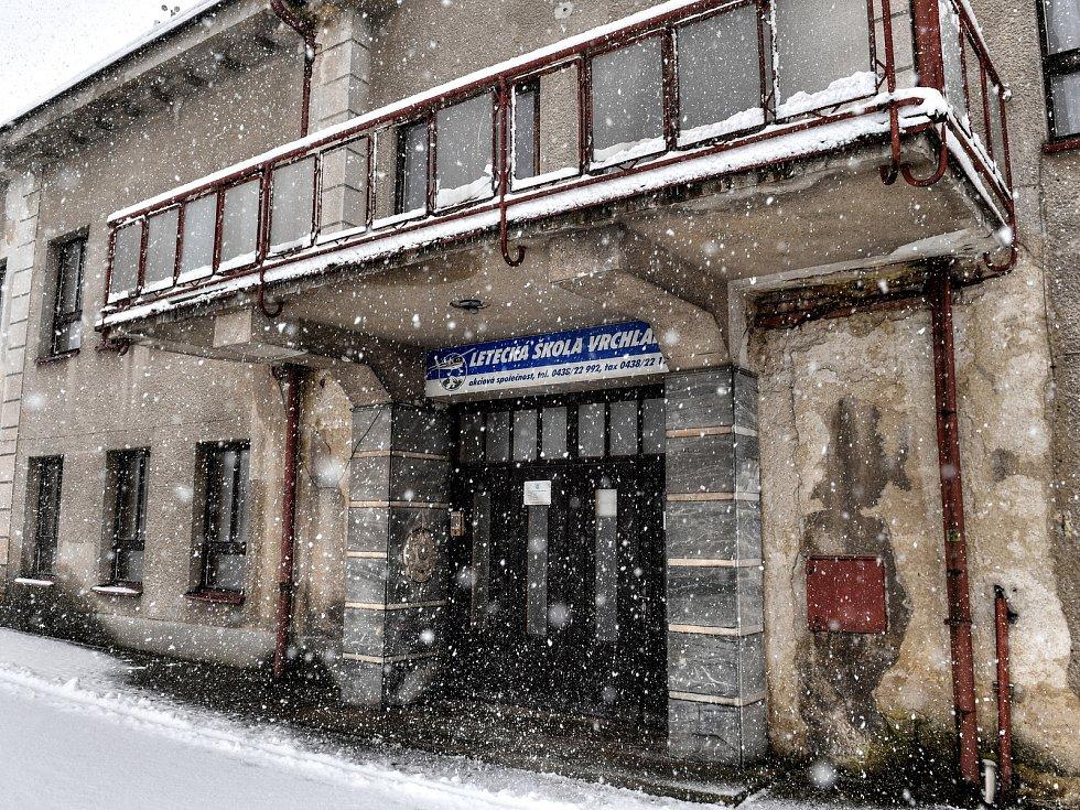 Dolétali? Situace v akciové společnosti Letecká škola Vrchlabí, která provozuje letiště a přitom nemá už ani žádné letadlo, je zcela paralyzovaná.