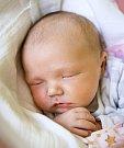 ANEŽKA VAŇÁTKOVÁ se narodila 8. června Veronice Neplechové a Lukáši Vaňátkovi. Vážila 4,4 kilogramu a měřila 49 centimetrů. Rodina bude mít domov v Semilech.