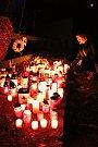 Lidé si připomněli 29. výročí také na Hrádečku u Trutnova u chalupy Václava Havla.