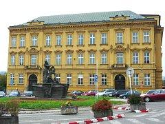 Gymnázium ve Dvoře Králové
