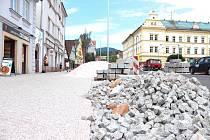 Rekonstrukce náměstí Míru ve Vrchlabí.