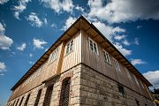 Stavba nové Petrovy boudy na hřebenech Krkonoš