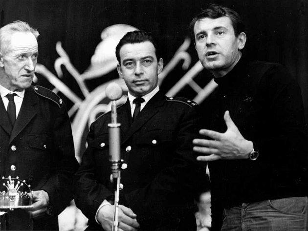 Ještě mladý Miloš Forman - vpravo