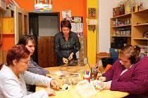 POSLÁNÍM DIAKONIE ČCE Střediska Světlo ve Vrchlabí je podporovat lidi s mentálním nebo kombinovaným či duševním onemocněním a jejich rodiny na cestě životem a ukázat, že mohou být pro společnost obohacením.